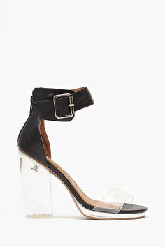 Lucite heels <3