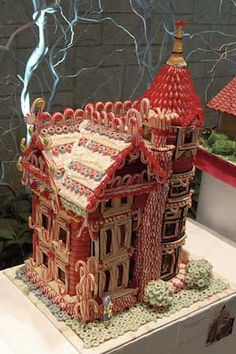 Gingerbread houses make me happy.
