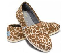 Giraffe print Toms-