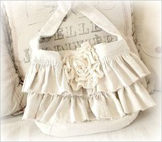 ruffled bag made out of painters drop cloths! katie's rose cottage! <3 sew, ruffl bag, craft, cloth project, ruffl purs, drop cloths, cloth bag, ruffled bags, dropcloth