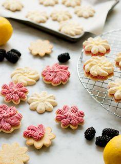 blackberri spritz, spritz sandwich, lemon blackberri, blackberri sandwich, sandwich cookies