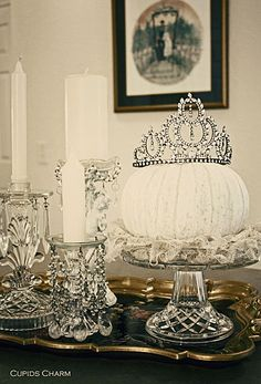 I love the girly chic and monochromatic approach to this display. It's a grown-up twist on the fairy princess pumpkin. This would be great for an afternoon tea or glamorous fall bridal shower.
