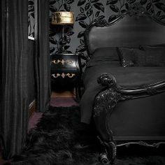 all black room!