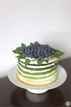 what a beautiful ombre layered cake!