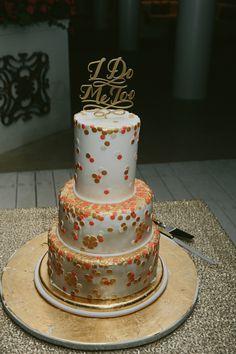 dotted wedding cake, photo by David Campbell Imagery http://ruffledblog.com/elandra-resort-wedding #weddingcake #cakes