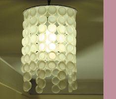 Luminária com tampinha de garrafa pet