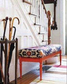 My new goal: find an old bench to paint and reupholster like this one :)
