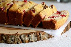 Honey Cranberry Cornbread - so wonderfully yummy looking! #food #cornbread #breakfast #brunch #Christmas