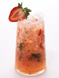 Strawberry Citrus Vodka #Cocktail  #UltimateTailgate #Fanatics