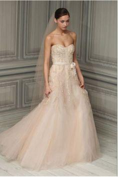 Vestido de novia rosa pálido