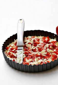Strawberry & Lemon Curd Shortbread , http://www.passionateaboutbaking.com/2011/03/baking-strawberry-lemon-curd-shortbread.html
