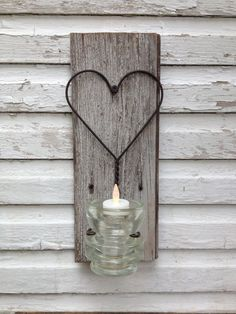 Candle Holder Rustic Wire Heart  Upcycled Antique Glass Insulator on Reclaimed Wood op Etsy, 26,90 €