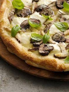 The Cheesy Mushroom Pizza mushroom pizza, cheesi mushroom