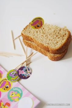 Easy lunchbox craft: Just requires stickers and toothpicks!