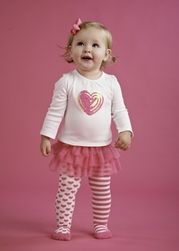LOVE this outfit!  Gotta have this for my baby girl!