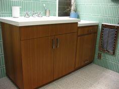 midcenturi bathroom, vaniti, tile patterns, bathroom inspo