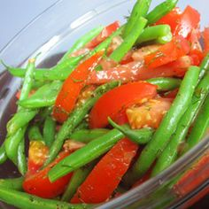 This summery salad is the perfect, colorful side dish for picnics and cookouts.  The prep is simple, and the addition of fresh dill brings these vegetables to life. easy side dishes for cookout, food, green bean, easy cookout side dishes, summer salads, green salads, tomato salad, bean salads, cookout sides