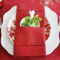 Red-and-White Classic Pocket Napkin