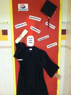College Door Decoration - Cap and Gown