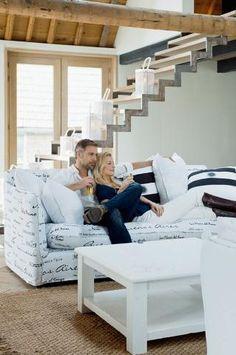Sklep HOUSE pomoże Ci stworzyć komfortową przestrzeń, oferując nowoczesne lub klasyczne meble ogrodowe, meble rattanowe, kominki ekologiczne oraz dodatki dekoracyjne, które doskonale się nadają zarówno do ogrodów letnich, zimowych czy też wnętrz.