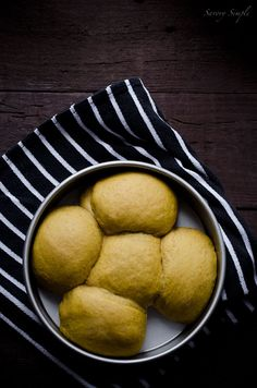 Pumpkin Spiced Dinner Rolls - Savory Simple