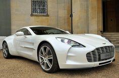Aston Martin One-77.
