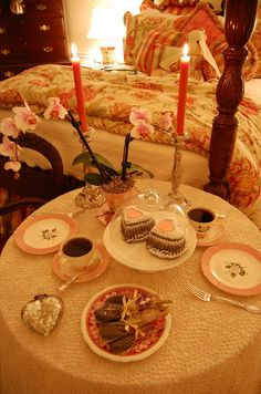 Valentine's Day BREAKFAST tablescape...... LOVE!!!!!
