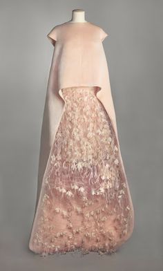 Balenciaga Haute Couture-A/W 1967.