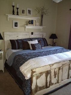Door foot and head board..Wonder how they would fit an extended queen.  Love the shelves above too.