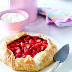 Free-Form Strawberry Pie -- Finish this yummy recipe with Polaner Apricot Preserves - Polaner provides delicious possibilities, ripe for the picking. polanerallfruit.com #glaze #strawberries #pies