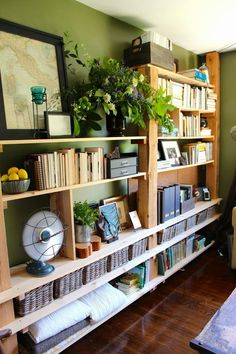 decorology: Keeping Small Spaces Beautiful
