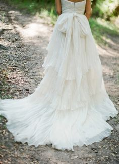 wedding dressses, dream, weddings, dresses, the dress, train, gown, bride, big bows