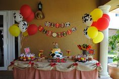 cowgirl parti, cowgirl party, birthday parties, jessi birthday, fiesta, 1st birthday, cowboy birthday table, 3rd birthday, balloon
