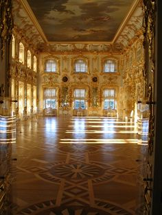 Palace of Peterhof - St Petersburg, Russia