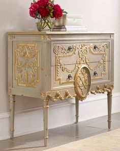 Belvedere Chest ~ modern, but M.A. would approve (Horchow)