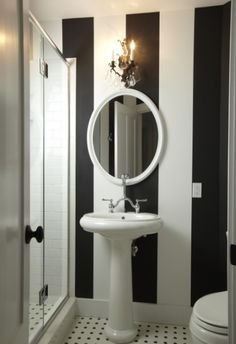 black_and_white_striped_bathroom