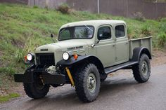 Dodge power wagon CREW CAB