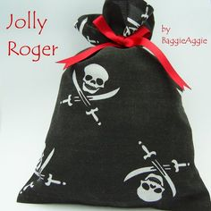 4-pack Loot/Party/Gift Bags, Pirate Skulls