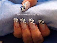 Nail art motivo 175 - Uñas decoradas con almejas y piedras strass -  http://www.schmucknaegel.de/