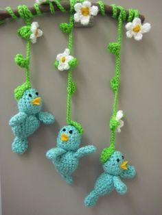 http://3.bp.blogspot.com/-9eOrGRDvmk4/TxaVDVZgXqI/AAAAAAAAAfg/CuG6YX8aSZA/s1600/hangingbluebirds.jpg
