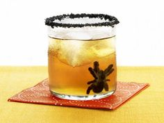 dark & spooky cocktail #halloween #drinks