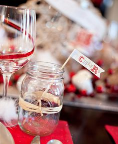 Vintage Glam Holiday Theme Party. So gorgeous!