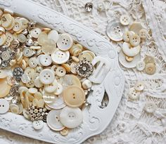 trays, vintage buttons, white, display, cream, vintage linen, collect, button button, vintag button