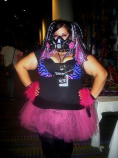 Plus-sized raver. There are no words for me to describe the amount of love I have for this.