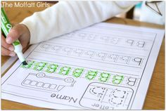 FREE Handwriting Tracing sheets!  Just print, put in a sheet protector and use with a dry erase marker!