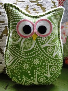 Owl Pillow.  Would be great filled with rice and used as a hot pad.