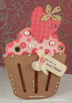 Cricut Art Philosophy cupcake card