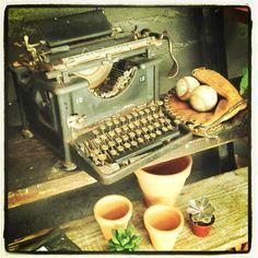 "Maquina de escribir ""De Santiago"" @Anita Casalis Clorofilia"