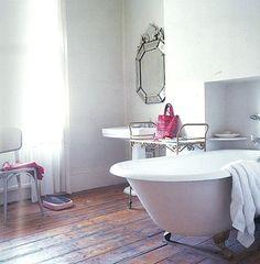 love claw-foot bathtubs. #oneofthesedays