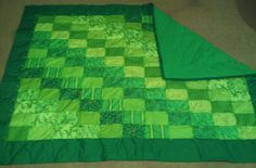 Green Fat Quarter Quilt - This is a little too green for me but I like the pattern